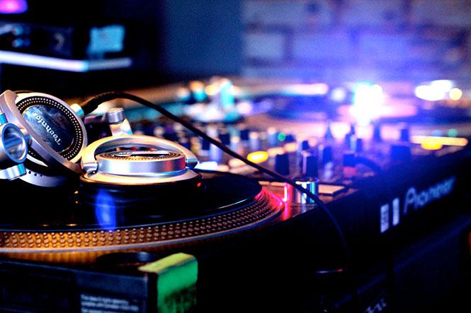 Mikey Beats club dj in San Diego - dance dj hire california